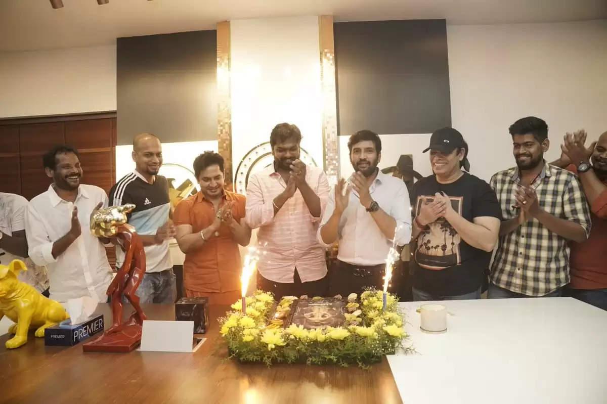 டிக்கிலோனா சக்ஸஸ் பார்ட்டி