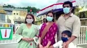 ஐஸ்வர்யா ரஜினிகாந்த் மற்றும் சவுந்தர்யா ரஜினிகாந்த்