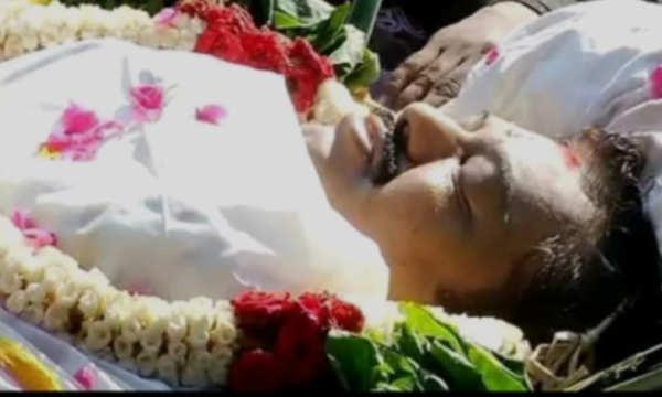 72 குண்டுகள் முழங்க நடிகர் விவேக் உடல் தகனம்..!